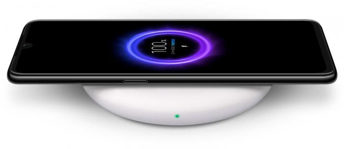 Не только июньский патч для Xiaomi Mi9, но и карманный режим и настраиваемые часы (фото)